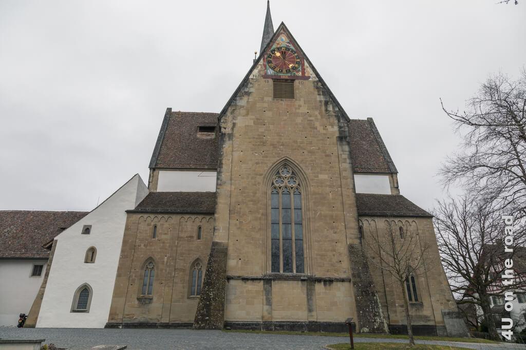 Die Klosterkirche des Klosters Kappel von vorne