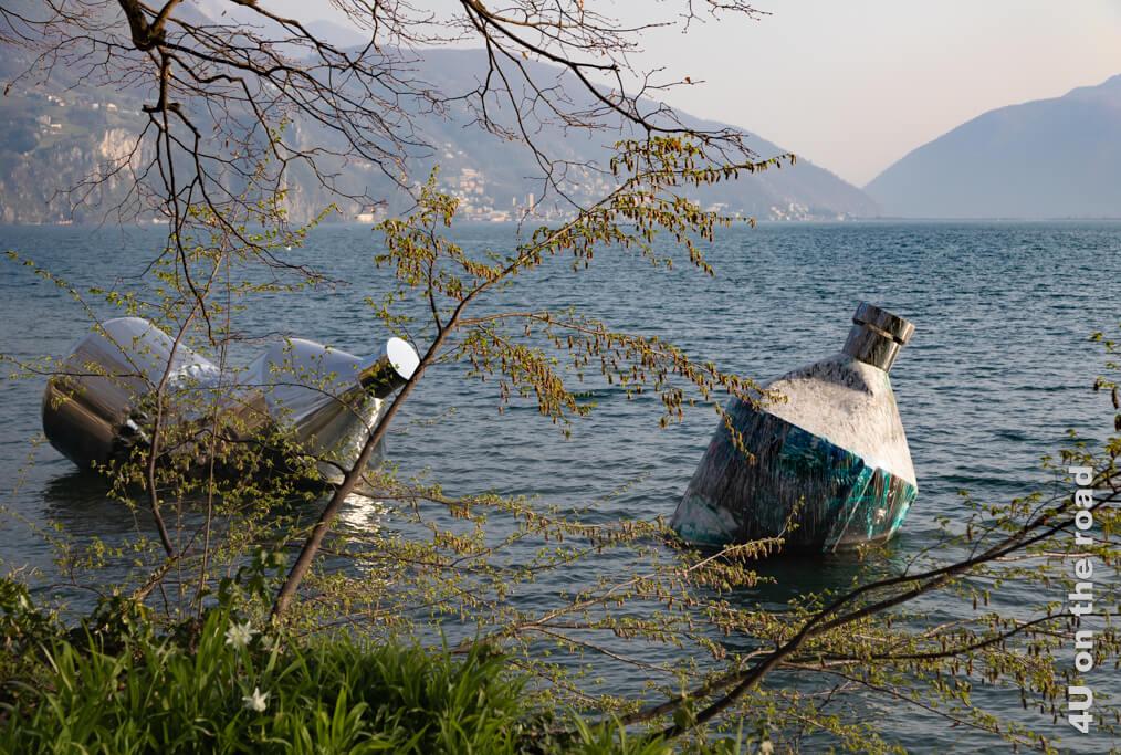 The Twin Bottles: Message in a Bottle von Helidon Xhixha und Giacomo Braglia - Parco Ciani