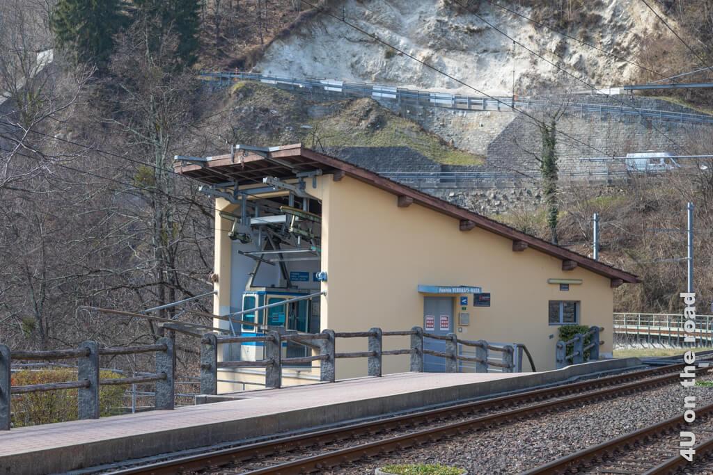 Die Seilbahnstation nach Rasa am Bahnhof Verdasio