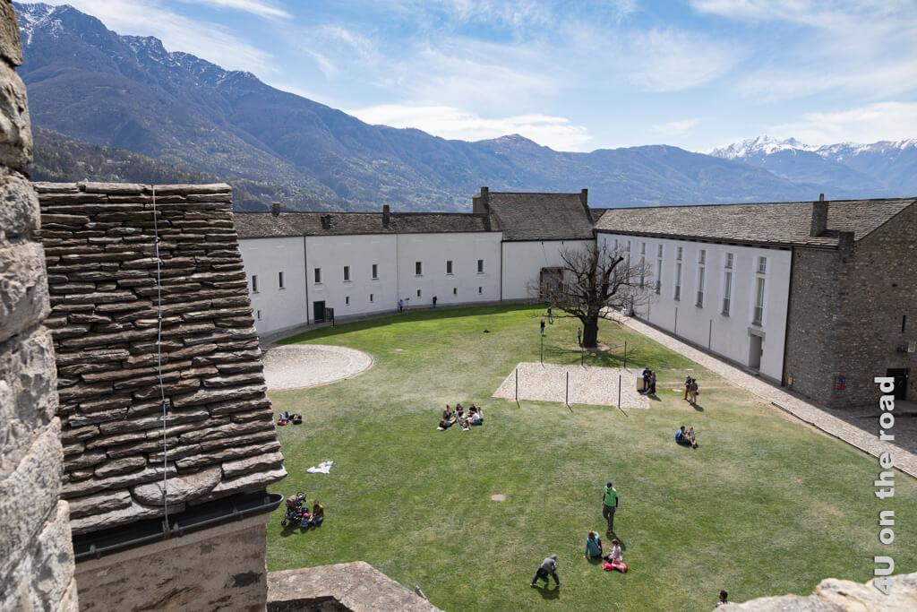 Der Innenhof von Castelgrande - Burgen von Bellinzona