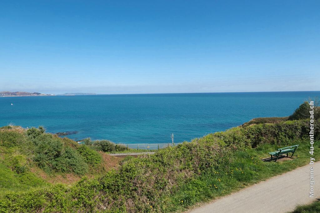 Hinsetzen, Blau- und Grünschattierungen tanken, auf einen Seehund oder den Zug warten - das wäre perfekt. Bray to Greystones Cliff Walk