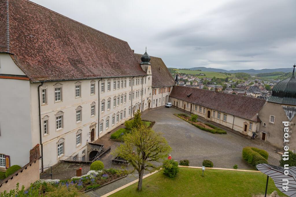 Blick vom Réfous-Turm auf den Schloss Innenhof. - Geheimer Stadtrundgang Porrentruy