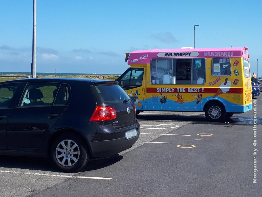 So farbenfroh sehen die Eiswagen in Irland aus. Den vor unserer Schule durften wir leider nicht fotografieren.