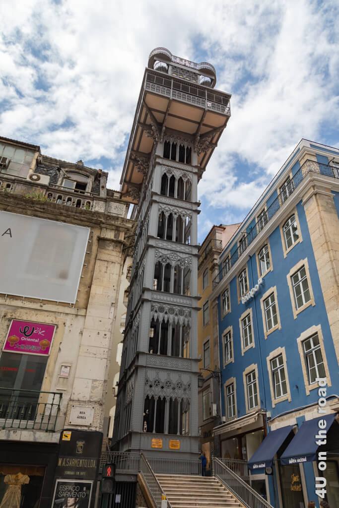 Der Elevador Santa Justa. Vom Dach des Aufzugs kann man als Fahrgast auch eine tolle Aussicht geniessen.