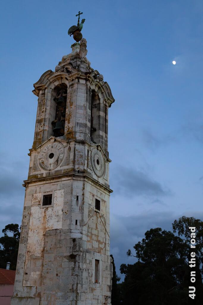 Glockenturm - Lissabons Sehenswürdigkeiten bei Tag und bei Nacht