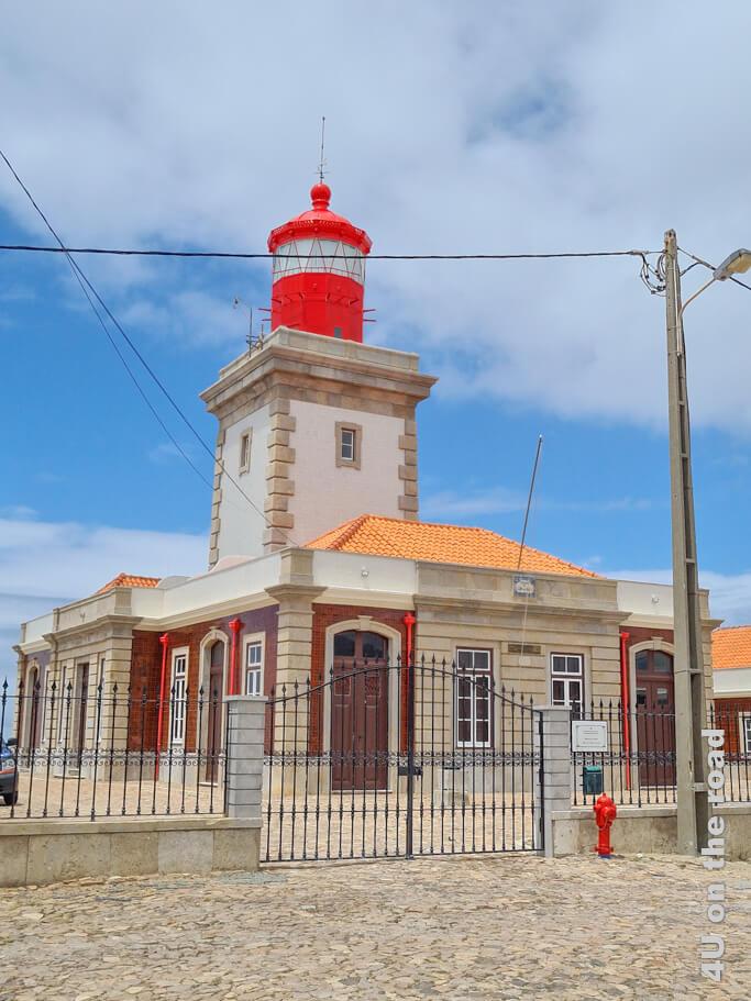 Der farbenprächtige Leuchtturm am Cabo da Roca