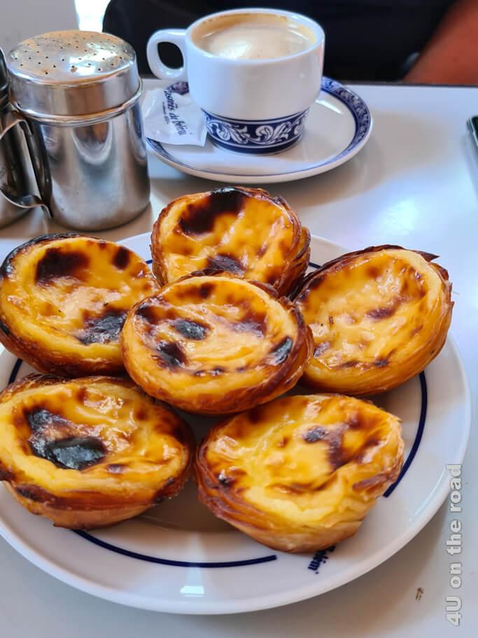 Pasteís de Belém ganz frisch aus dem Ofen - hmm
