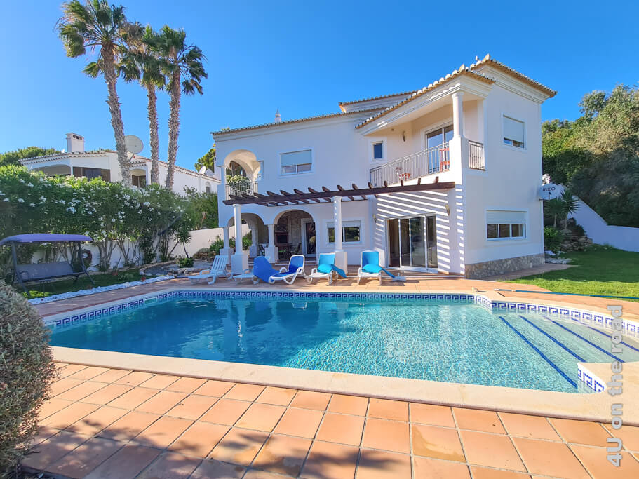 Durch WLAN Probleme lernen wir den Hausbesitzer kennen und bekommen viele Tipps. Home base in der dritten Woche unserer Portugal Rundreise mit Mietwagen